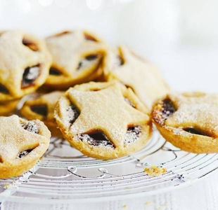 5 Classic Christmas Sweet Treats - with or without a Twist!